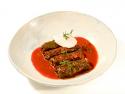 Sarmale de vită în foi de viță cu sos gulaș 8-10 buc